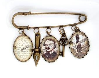 Edgar Allan Poe Brooch- Edgar Allan Poe Jewellery- Literary Gift- Book Lover Gift- Altered Art Brooch- Literary Jewelry- Gothic Brooch