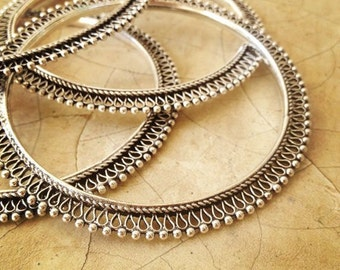 SILVER Bangle Bracelet,Pair of Bangles,Stackable bangles,ethnic tribal silver jewelry,Gift for friend,Holiday gift,Silver Jewelry YB0518