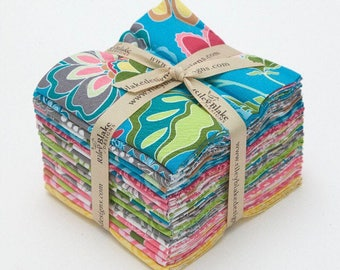 "Riley Blake ""Fantine"" - Fat Quarter Fabric Bundle / Fabric for Quilting, Crafting, Sewing"