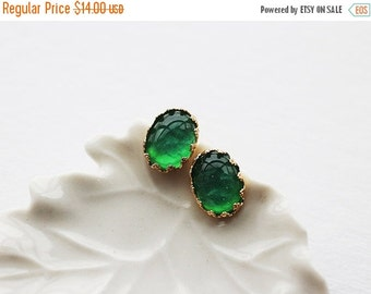 Holiday Sale Green Earrings. emerald green post earrings. green cbochon in gold lacy crown setting posts. bridesmaid birthday earrings. gift