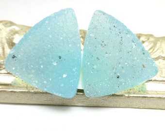 Chalcedony Druzy Cabochon Pair Quartz Designer Cabochon Tifany Sky Blue Crystals Light Triangle Cabochons for Earrings