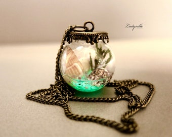 Glow in the Dark Terrarium Necklace - Fluorescent Necklace with Shells and Seaweed
