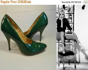 ANNIVERSARY SALE Kicking Off Her Dance Shoes - Vintage 1960s Medium Green Patent Leather Stilettos - 7