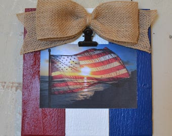 Patriotic Wood Clip Photo Frame, Photo Clip Board, Rustic Wood Frame, Salvaged Wood Clip Frame, Red White and Blue, Patriotic Frame
