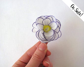 White rose silk flower hair snap pin - violet and yellow - hand painted silk - snap clip ***Item on sale*** Previous price : 12.50 EUR
