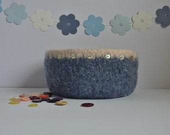 FELTED 'FUSSPOT' bowl / tray .  ' Shoreline'  ( with Mother of Pearl buttons)  UK seller ...ready to ship...