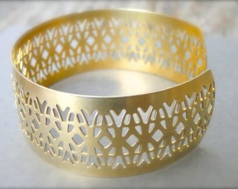 Bangle / Bracelet / Jewelry / Gift for Her / Accessories / Golden Brass Cut Out Bracelet / Detailed Bangle / Gift for Her