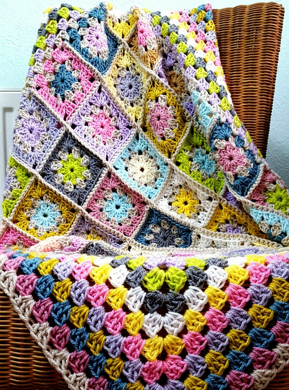 Retro Pastel Granny Squares Blanket Crochet Afghan NEW