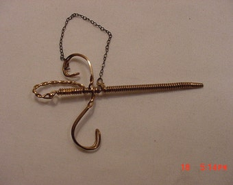 Vintage Unmarked Hillcraft Gold Filled Victorian Style Wire Sword Ascot Pin   16 - 875