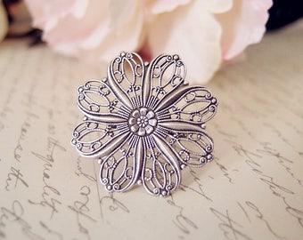Elegant filigree flower ring-Victorian ring-Aged brass-adjustable-steampunk-edgy chic V096