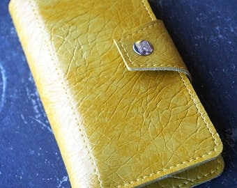 Vintage Texture Mustard Womens Wallet Made of 70s Vintage Vinyl