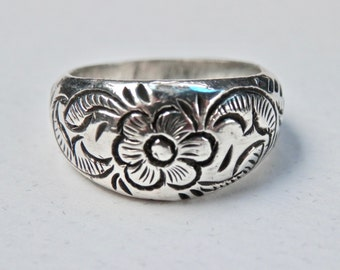 Silver Embossed Ring, Floral Silver Ring, Sterling Silver Band, Vintage Jewelry, Flower Jewelry, Floral Embossed, 925, 1970s Jewelry