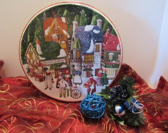 Streets of Dickens Village Christmas Tin - Department 56 - Christmas Street Scene - Carolers - Vendors - Shops