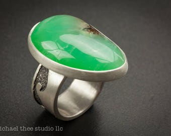 Sterling silver Wave Ring with bright green chrysoprase cab, U.S. size 9-9.25