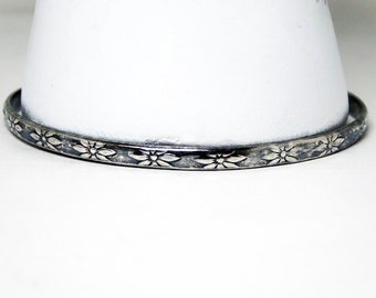 Mexican Silver Daisy Bangle Bracelet - Sterling Silver Signed Mexico TV-89 - Flower Daisies - Vintage 1970's 1980's