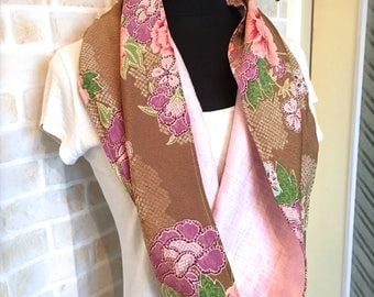 Infinity Scarf / Chirimen Scarf / Kimono Fabric Scarf / GR1010 Beautiful Camellia Chirimen Fabric Twisted Infinity Scarf With Pink Linen