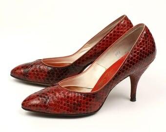 vintage snakeskin heels • 1950s red hot vixen high heels