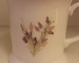Budding sweet william tea mug