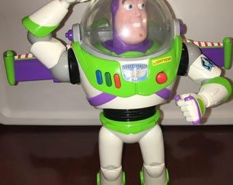 vintage Walt Disney Pixar Toy story Disney store Buzz lightyear electronic doll