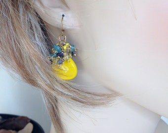 STATEMENT ELEGANT -  Ashira Faceted Yellow Jade with Clusters of Blue Apatite, Iolite and Yellow Czech Beads - WOW - 2""