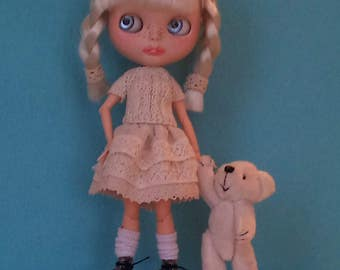 Short sleeve sweater  and a skirt with lace for Blythe or Pullip
