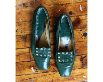 Green Leather Loafers 9 • 60s Shoes • Low Heels • Studded Shoes • Green Shoes • Vintage Heels • 60s Mod Vintage Shoes | SH417