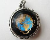 Vintage 1964 New York World's Fair Sterling Silver Bracelet Charm Souvenir