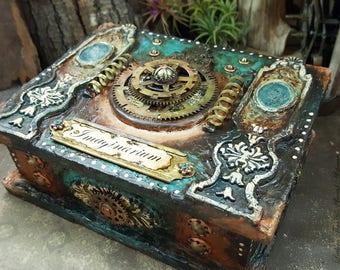 Imaginarium of the Weird & Wonderful : A mixed media Steampunk box