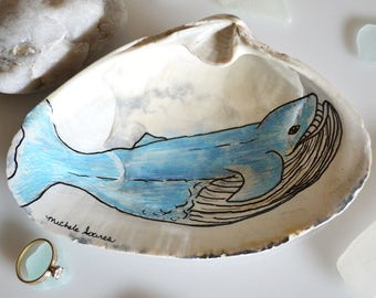 Whale Ring Holder, Blue Whale Art, Whale Decor, Ring Dish Holder, Beach Wedding Gift, Gift for him and Her, Whale Illustration Clam Shell