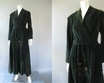 40s Robe - Vintage Wrap Hostess Gown - 1940s Green Velvet  Dressing Gown