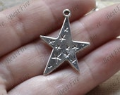 12 pcs of Stars Charm Connectors Antique silver Tone,Stars Charm pendant beads findings