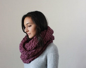 End of season SALE Chunky Infinity Scarf Knit Textured Cowl  // The Bourdon - FIG