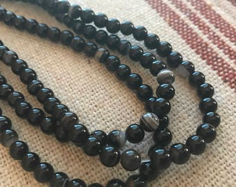 """AAA Natural Black Banded Agate 5mm round Beads 16"""" 64 beads"""