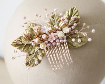 Delicate flower comb, brass flowers, shabby chic comb - 'Jardin'