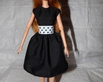 Stylish basic black dress with polka dot belt for Fashion Dolls - ed926