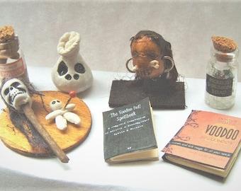 Miniature VOODOO Doll Shrunken HEAD Witch Doctor Wand Potion Bottle Spellbook Spooky Haunted Halloween Doll House Furniture
