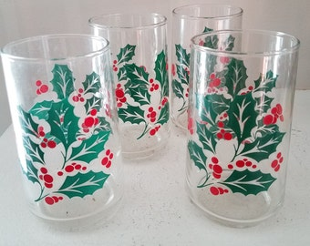Four (4) Vintage Christmas Holly Drinking Glasses / Tumblers
