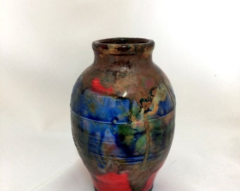 Rake Pottery Vase with Hints of Red