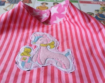 Super kitsch bandana bib handmade vintage retro decal recycled pink candy stripe and  flannelette with groovy giraffe applique