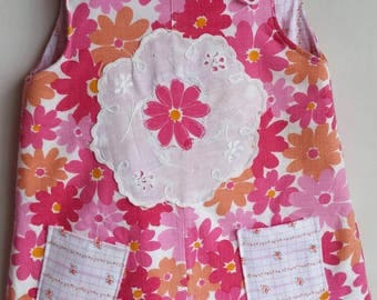 Recycled Vintage Handmade  Retro Daisy Floral Pink Orange Reversible Pinafore Size 3-6 flower Snaps, Treasure Pocket