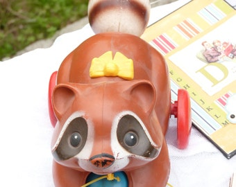 Cute French Vintage Raccoon Fisher Price Pull Toy - Animal Toy - 1979s - French Pull Toy - Brown - Well Loved - Collectibles - Toddler Toys