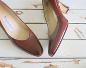 Vintage ETIENNE AIGNER  Leather Heels.size 6.5 womens.high heels. retro. brown red heels. designer. shoes. aigner. mod. classic. librarian.