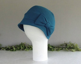 Smokey blue close fitting hat with brim, band and bow - MEDIUM