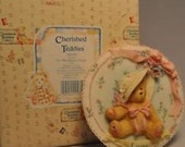 Enesco Cherished Teddies Love #104140 Girls with Bonnets Plaque Retired With Box