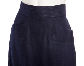 Vintage wool ski skirt with pockets -- 60s 70s navy blue midi skirt -- size medium