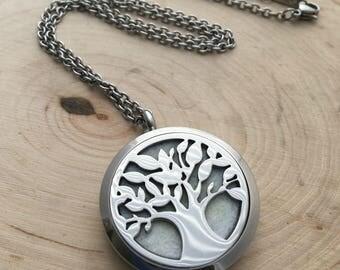 Essential Oil Jewelry ~ Heart Necklace ~ Locket Necklace ~ Essential Oil Locket ~ Essential Oil Diffuser ~ JessicaBe ~ Aromatherapy Jewelry