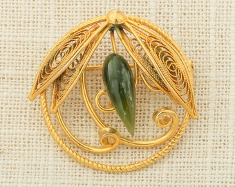 Gold & Green Flower Brooch Vintage Jade Color Stone Asian Style Broach Costume Jewelry   Vtg Pin 16D