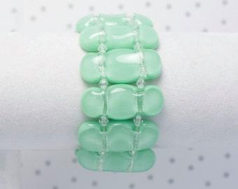 Bracelet en verre fusionné vert menthe