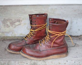 Gorgeous, perfect 1960s-70s model 877 hunting / tromping / crepe sole work boots by Red Wing - USA Made, size 10 1/2 D - check measurements