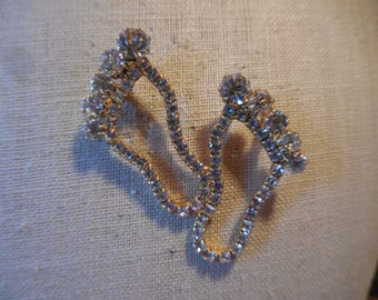 Vintage 1960s to 1970s Hang Ten Gold Tone Pin/Brooch Two Bare Feet Pronged Rhinestones Sparkly Retro